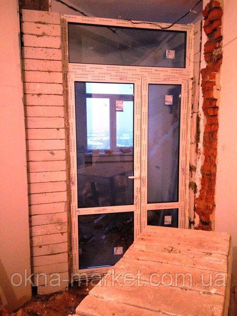 """Балконные двери компания """"Окна Маркет"""""""